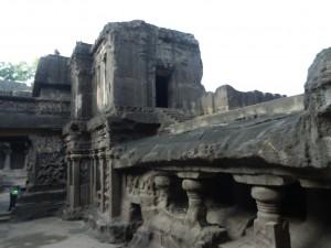 Храмът Кайлаш в пещерите на Елора, Индия